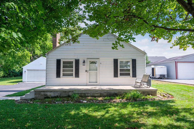 3669 Kingman Hill Dr, Delaware, Ohio 43015, 2 Bedrooms Bedrooms, ,1 BathroomBathrooms,Single Family Home,Contingent,Kingman Hill,1095