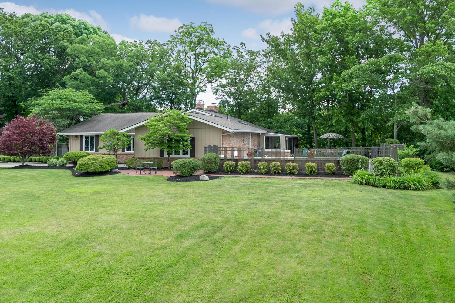 6533 Lake Of The Woods Point, Galena, Ohio 43021, 4 Bedrooms Bedrooms, ,3 BathroomsBathrooms,House,Contingent,Lake Of The Woods Point,1016