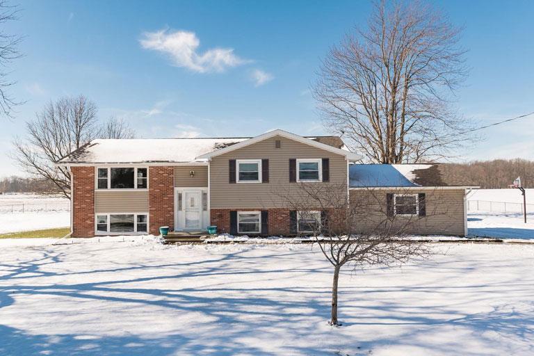 3491 Claridon Westfield Rd, Marion, Ohio 43302, 3 Bedrooms Bedrooms, ,2 BathroomsBathrooms,Single Family Home,Contingent,Claridon Westfield,1031