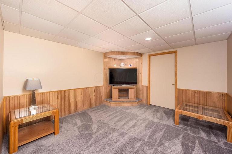 815 Eton St, Marion, Ohio 43302, 3 Bedrooms Bedrooms, ,2 BathroomsBathrooms,House,Contingent,Eton,1037