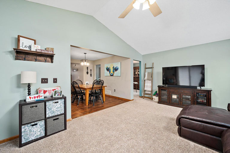 260 Sonoma Dr, Delaware, Ohio 43015, 4 Bedrooms Bedrooms, ,2 BathroomsBathrooms,House,Contingent,Sonoma,1040
