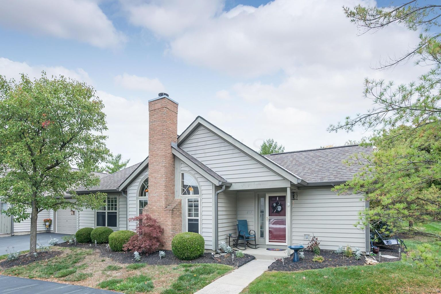 213 Deer Cross Ln, Powell, Ohio 43065, 2 Bedrooms Bedrooms, ,2 BathroomsBathrooms,House,Contingent,Deer Cross,1048