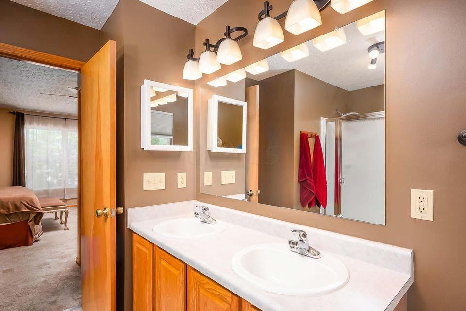 135 Lofton Circle, Delaware, Ohio 43015, 3 Bedrooms Bedrooms, ,2 BathroomsBathrooms,Single Family Home,Contingent,Lofton,1069