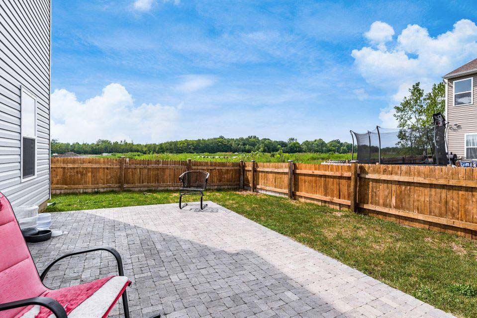 5430 Town Hill Dr, Canal Winchester, Ohio 43110, 4 Bedrooms Bedrooms, ,2 BathroomsBathrooms,Single Family Home,Contingent,Town Hill,1082